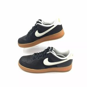 Nike Air Force 1 AF1 Leather Mens Shoes Size 11.5